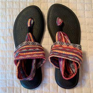 Sanuk Sandal-Size 9
